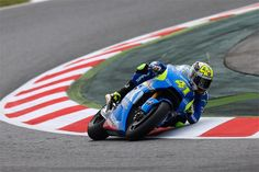 Some people never use their degrees. Aleix Espargaro uses sixty.