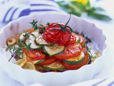 Tomaten-Zucchini-Auflauf mit Knoblauch - smarter - Kalorien: 167 Kcal - Zeit: 20 Min. | eatsmarter.de