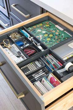 Desk Drawer Organisation, Home Office Organization, Organization Hacks, Office Decor, Organizing Ideas, Bathroom Organization, Bathroom Ideas, Design Bathroom, Bathroom Interior