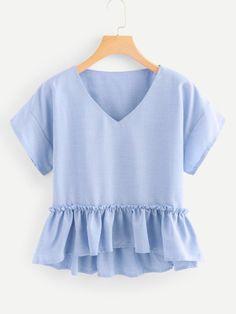 Shop V Neckline Pep Hem Blouse online. SheIn offers V Neckline Pep Hem Blouse & more to fit your fashionable needs. Plain Tops, Peplum Blouse, Blouse Outfit, Mode Hijab, Blouse Online, Summer Shirts, Summer Blouses, Blouse Styles, Blouses For Women