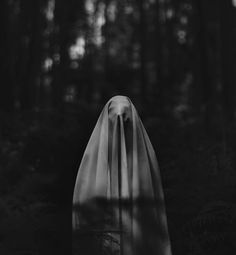 Dark Art Photography Horror 42 New Ideas Creepy Photography, Dark Art Photography, Horror Photography, Conceptual Photography, Holiday Photography, Photography Portraits, Photography Projects, Creepy Photos, Ex Machina