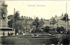 Bahnhofstr. Links und rechts von der Villa zimmermamn bzw dem Hotel Carola eingerahmt.