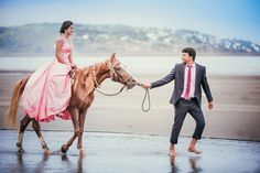 """""""When The Sun Shines"""": The Most Wonderful Beach Sessions · INSPIRATION by Wedding.net"""