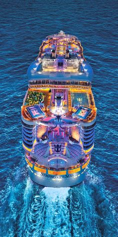 Explore the Magnificent World through Luxury Cruise – Travel By Cruise Ship Packing For A Cruise, Cruise Travel, Cruise Vacation, Dream Vacations, Shopping Travel, Bahamas Cruise, Beach Travel, Biggest Cruise Ship, Best Cruise Ships