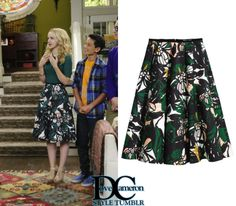 "Liv & Maddie ""Vive-La-Rooney"" [x] // March 13, 2016H&M Patterned Scuba Skirt in green/black floral - sold out"
