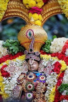 Sri Balaji Travel is one of Best Tirupati Tour Operator provides you Quality and Affordable Pilgrimage Tirupati darshan package from Bangalore Lakshmi Images, Radha Krishna Images, Krishna Art, Lord Rama Images, Lord Shiva Hd Images, Ganesh Wallpaper, Radha Krishna Wallpaper, Lord Photo, Krishna Statue