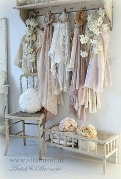 Vintage, faded, shabby goodies