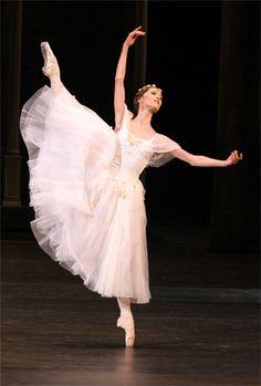 """Nelli Kobakhidze in """"La Sylphide"""" (Bolshoi Ballet)"""