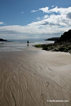 Playa del Sablón Llanes. Playas de Asturias [Más info] http://www.desdeasturias.com/playa-de-el-sablon/