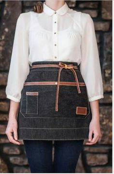 Waist apron with leather details