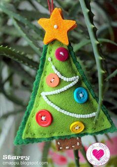 Felt christmas - 50 Classy Original Felt Ornaments Ideas For Your Christmas Tree – Felt christmas Buy Christmas Tree, Felt Christmas Decorations, Felt Christmas Ornaments, Christmas Sewing, Homemade Christmas, Kids Christmas, Beaded Ornaments, Xmas Tree, Button Ornaments