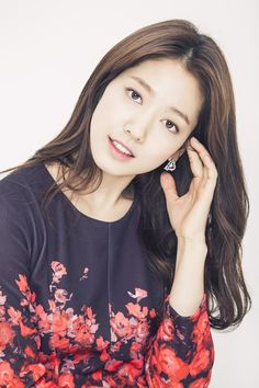 Queen of RomCom ♥ Park Shin Hye ♥ Flower Boy Next Door ♥ You're Beautiful! ♥ Heartstrings ♥ Don't Worry I'm a Ghost ♥ The Heirs ♥ Pinocchio Korean Star, Korean Girl, Asian Girl, Asian Ladies, Asian Celebrities, Beautiful Celebrities, Celebs, Park Shin Hye, Korean Actresses