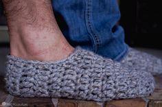 Fast & Free Men's Slippers Crochet pattern