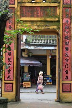 Хойан (Hội An) — город в провинции Куангнам во Вьетнаме. В списке объектов всемирного наследия ЮНЕСКО с 1999 г..