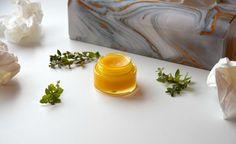 Diese Majorancreme oder auch der -balsam heilen und schützen wunde Schnupfenhaut, damit man bald wieder fit und ohne wunde Nase ist!