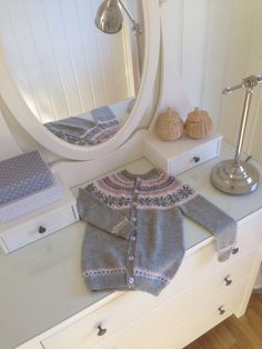 Nancykofte knitted in Silja by Gjesdal. Size 6 years for my 4 year old :)