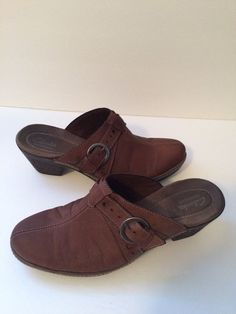 Clarks Bendables Brown Leather Buckle Clogs Mules size 10M #Clarks #Mules #WeartoWorkorcasual