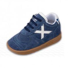Zapatillas Munich BABY GRESCA Azul y Blanco. Pon tu bebé a la última moda con las divertidas zapatillas Munich Gresca para bebés. Ideal para regalar. Modelo para bebés de menos de 3 años. En #deporvillage por 39,90 euros. Te ahorras 21% = 10 euros.