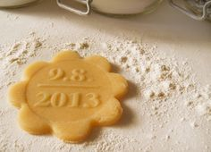 Cookie Stamp Bisciut Stamp personalized Save the Date by dueTORI Wedding Desserts, Wedding Gifts, Wedding Cakes, Save The Date Karten, Date Recipes, Wedding Quotes, Kitchen Dining, Dating, Cookies