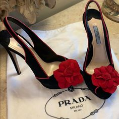Narrow Shoes, Open Toe Shoes, Black Heels, High Heels, Black Suede, Red Leather, Look Fashion, Fashion Shoes, Jimmy Choo