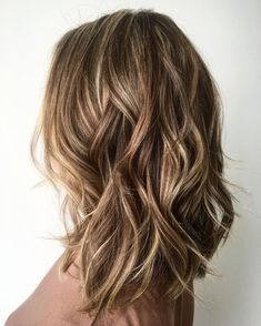 60 Fun and Flattering Medium Hairstyles for Women : Medium Layered Bronde Hairstyle Medium Hair Styles For Women, Haircuts For Medium Hair, Medium Long Hair, Long Bob Hairstyles, Medium Hair Cuts, Amazing Hairstyles, Layered Haircuts, Wedding Hairstyles, Stylish Hairstyles