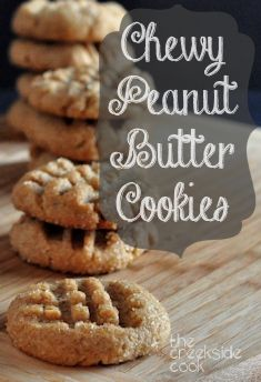 Natural peanut butter and molasses amp up the chewiness in these Chewy Peanut Butter Cookies | The Creekside Cook