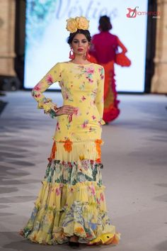 Pepa Garrido - We Love Flamenco 2018 Spanish Costume, Flamenco Dancers, Flamenco Dresses, Spanish Dancer, Spanish Style Homes, Fashion Beauty, Womens Fashion, Ruffle Skirt, New Wardrobe