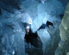 3569_giant-crystal-cave-14_12801024.jpg (JPEG Image, 1024×819 pixels) - Scaled (89%)