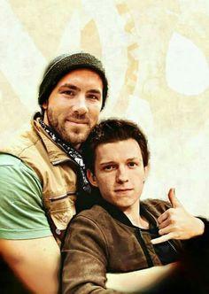 Spideypool, Superfamily Avengers, Ryan Reynolds, Tom Holland, Marvel Avengers, Marvel Comics, Deadpool X Spiderman, Beautiful Men Faces, Cute Gay Couples