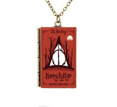 Check it out Potter Heads! Creative Miniature Harry Potter and the Deathly Hallows TINY Book Necklace Harry Potter Jewelry, Harry Potter Art, Harry Potter Memes, Book Necklace, Necklace Price, Pendant Necklace, Rowling Harry Potter, Cartoon Books, Betsey Johnson Necklace
