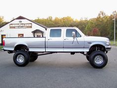 www.emautos.com 1997 Ford F-350 Crew Cab Long Bed 4x4 7.3L Powerstroke Diesel w/ manual trans.