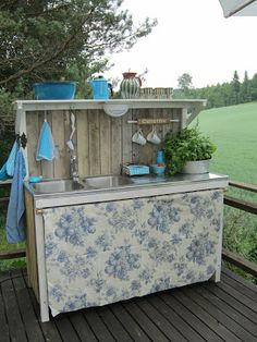 Seuraava projekti ;) Outdoor Sinks, Outdoor Kitchens, Ski Decor, Home Decor, Dirty Kitchen, Decks, Patio Plans, Summer Kitchen, Outdoor Living