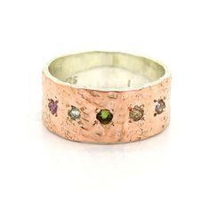 Toermalijn ring rose goud en zilver gehamerd band door HadarWeddings