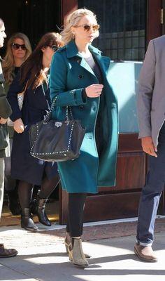 Jennifer Lawrence wearing Oliver Peoples Masek Sunglasses, Valentino Rockstud Double Handle Bag and Burberry London Sandringham Long Slim Cashmere Trench Coat in Teal