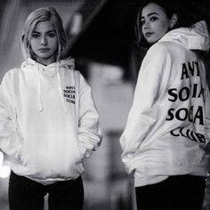 Head over to @hypebae_as they deconstruct @antisocialsocialclub and explore why women are so fascinated by the brand.  Photo: @rupertlamontagne by hypebeast