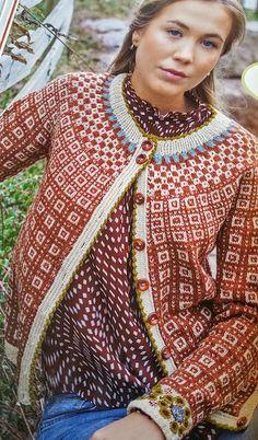 : Kofter-Regjerer i Motebildet Fair Isle Knitting Patterns, Knitting Designs, Knit Patterns, Motif Fair Isle, Fair Isle Pattern, Cardigan Sweaters For Women, Cardigans, Norwegian Knitting, How To Purl Knit