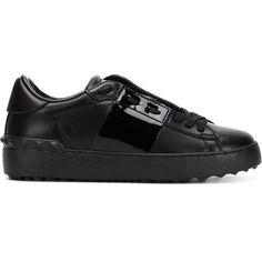VALENTINO GARAVANI 'Open' sneakers (28.500 RUB) ❤ liked on Polyvore featuring shoes, sneakers, black shoes, valentino shoes, black lace up sneakers, lacing sneakers and flat shoes