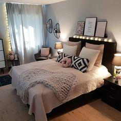 Bedroom decor for teen girls, teen bedroom, scandi bedroom, big bedrooms,. Scandi Bedroom, Glam Bedroom, Pretty Bedroom, Woman Bedroom, Room Ideas Bedroom, Small Room Bedroom, Home Decor Bedroom, Living Room Decor, Bedroom Designs