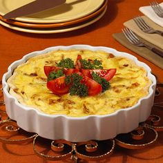 There's a reason quiche lorraine is so popular for breakfast or brunch: It's absolutely delicious! With bacon, onion, and Swiss cheese combining in a piecrust, quiche lorraine offers a recipe for the. Quiche Recipes, Brunch Recipes, Breakfast Recipes, Retro Recipes, Great Recipes, Favorite Recipes, Quiche Lorraine Recipe, Lorraine Recipes, 70s Food
