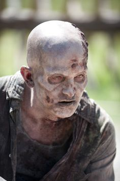 """The Walking Dead Season 5: Featured Walkers to Have """"Whole New Look"""" — """"It's Exciting"""". Nice to see they are keeping the """"time frame"""" in perspective with the decomposition of the zombies."""