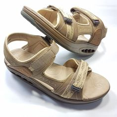 5be24538ff Ryn Rocker Walking Sandals Comfort Shoes Women 039 s Size 10 Tan Khaki Pink