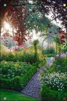 Beautiful flower garden decor ideas everybody will love 27 Garten Ideen The Secret Garden, Cottage Garden Design, Design Jardin, Beautiful Flowers Garden, Garden Styles, Dream Garden, Garden Paths, Garden Arbor, Garden Boxes