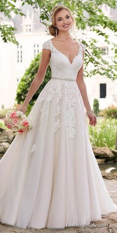 e682bc34af31 LOVE! Wedding Dresses 2018  Wedding  Bridal Amazing Wedding Dresses  Collections (67)