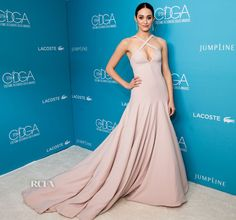 Emmy Rossum in Donna Karan Atelier is a vision of beauty, poise and elegance! One of my all time favorite looks