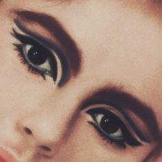 Its Okay My Dear - Real Time - Diet, Exercise, Fitness, Finance You for Healthy articles ideas Rockabilly Makeup, Retro Makeup, Vintage Makeup, Glam Makeup, Makeup Inspo, Vintage Beauty, Makeup Inspiration, Beauty Makeup, Eye Makeup