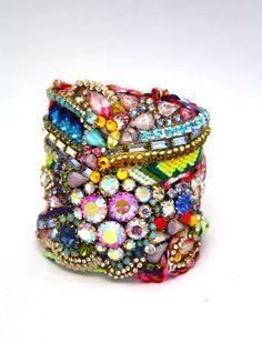 DolorisPetunia jewelery cuff