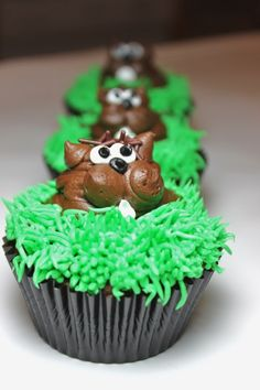 Ground Hog Cupcakes!  Tomorrow's the big day...I hope Spring comes early!