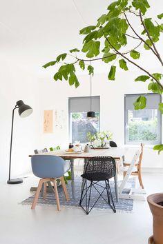 Eetkamer | Diningroom | vtwonen 09-2016 | photography: Anouk de Kleermaeker | styling: Yvonne Bakker
