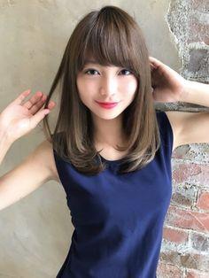 30代40代◎大人かわいい!ヴェールウェーブブルージュ新宿/AFLOAT RUVUA 新宿 【アフロート ルヴア】をご紹介。2018年秋の最新ヘアスタイルを300万点以上掲載!ミディアム、ショート、ボブなど豊富な条件でヘアスタイル・髪型・アレンジをチェック。 Oval Face Haircuts, Girl Haircuts, Trendy Hairstyles, Girl Hairstyles, Hairstyles With Bangs, Medium Hair Styles, Short Hair Styles, Korean Short Hair, Prity Girl