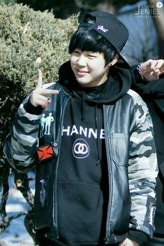 Chimchims chubby cheeks are so cute!!!!!❤️❤️❤️ Predebut picture